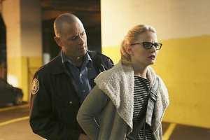 Emma (Jennifer Morrison) is betrayed while on the run.