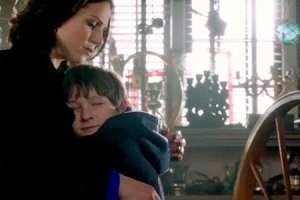 Regina (Lana Parrilla) gets a moment alone with Henry (Jared Gilmore)
