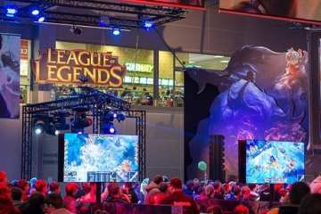 """""""League of Legends at Igromir 2013"""" (CC BY-SA 2.0) by Sergey Galyonkin"""