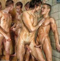 горячие парни