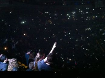 """That moment when we all get our phones out and the whole place is dark except for those modern-day """"concert lighters"""" ugh amazing."""