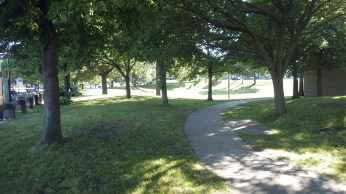 Castle Island not only has sand and water, but a pretty green park! Fantastic!