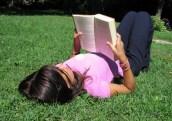 woman-reading summer