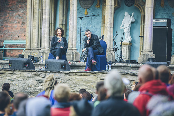 Steve Coogan at the piazza (Courtesy Festival No 6)