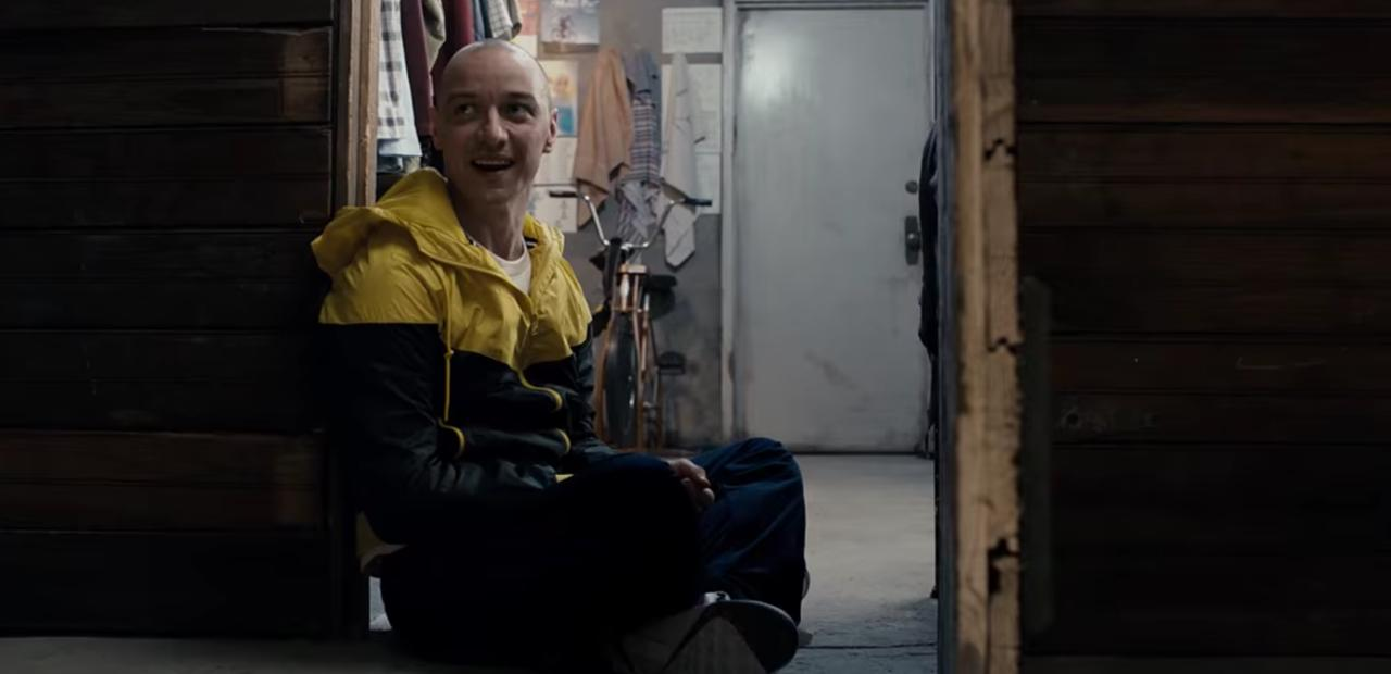 SPLIT: James McAvoy is the Scary Kevin!