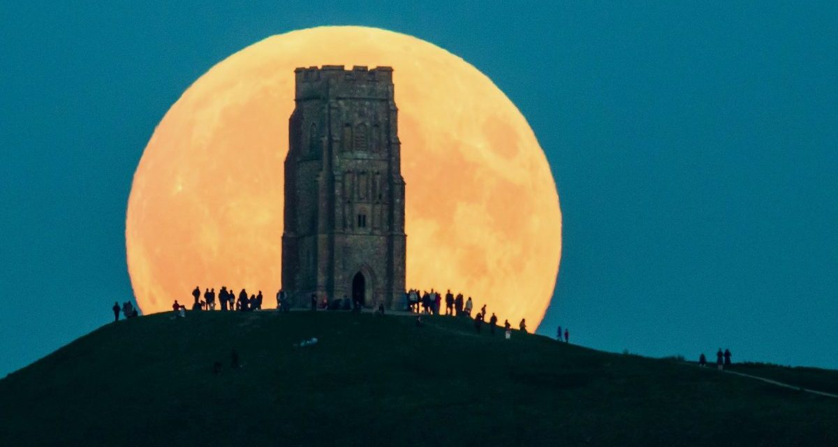 NASA's Tips for Shooting the Supermoon Tonight