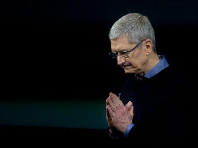 Apple CEO Pledges $1 Billion Towards Creation of US Manufacturing Jobs
