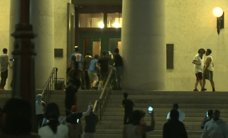 BREAKING NOW: Protesters have broken into the Ohio Statehouse