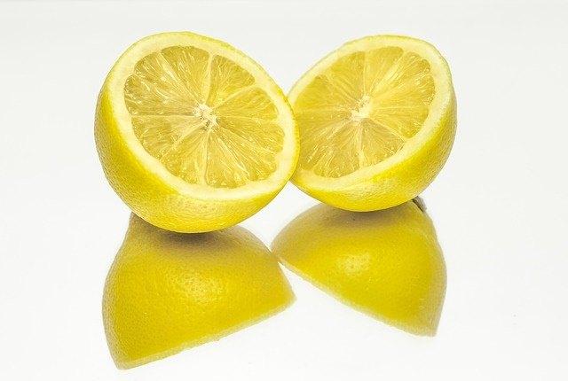 Best Cleansing Fruit - Lemons