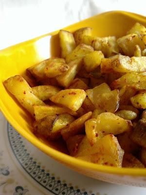 Aratikaya Vellulli Karam ~ Plantain with Garlic