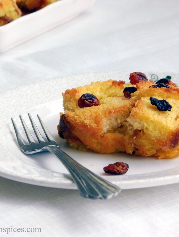 Eggless Bread Custard Pudding Recipe