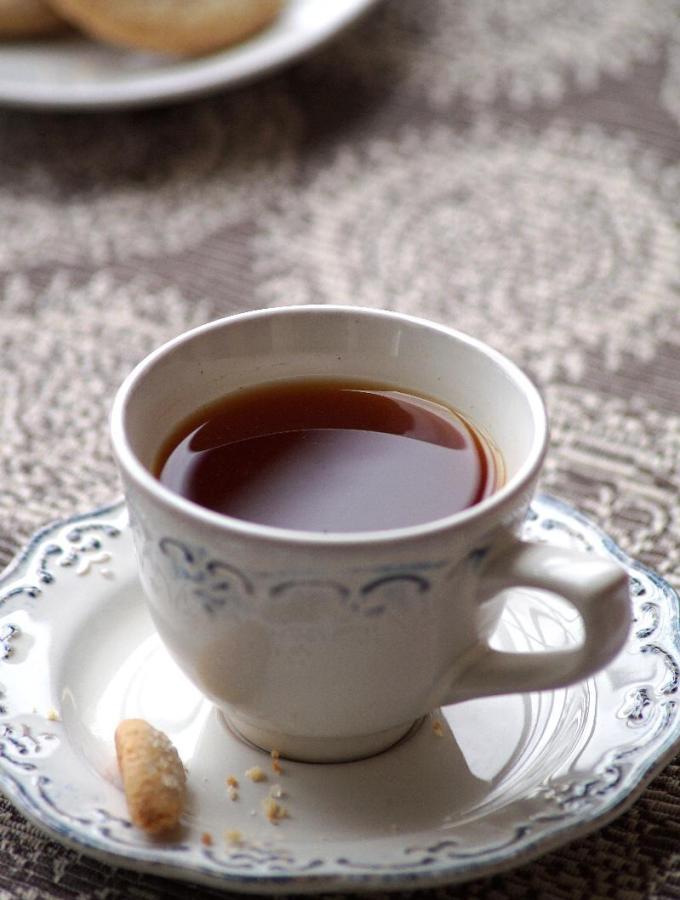 Lemon Tea Recipe – How to make Lemon Tea – Nimbu Chai Recipe – Sulaimani Tea Recipe