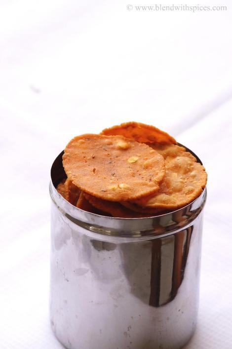 pappu chekkalu recipe, rice flour chekkalu, how to make chekkalu at home