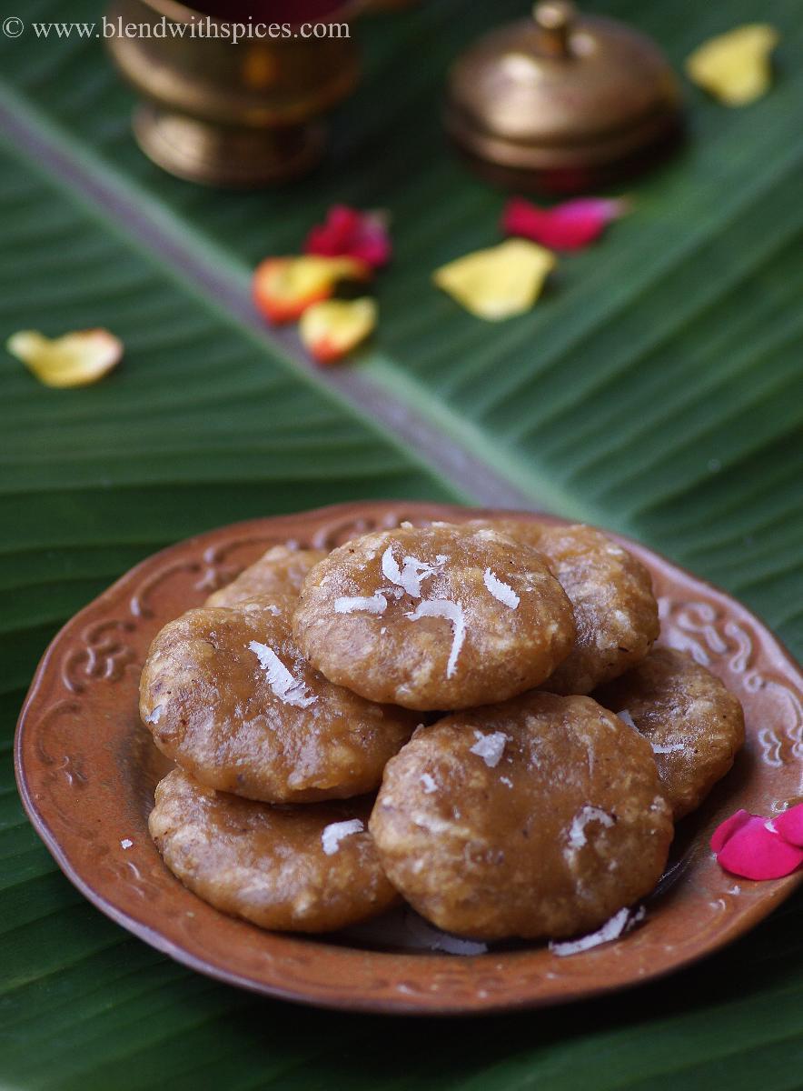 Godhuma Kudumulu Recipe - Wheat Flour Jaggery Kudumulu - Vinayaka Chavithi Naivedyam Recipes
