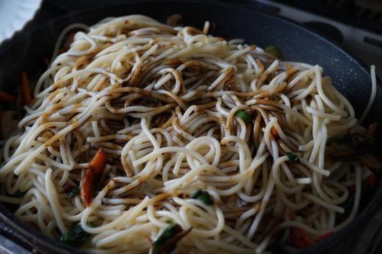 lo mein noodles sauce recipe, easy noodles recipes