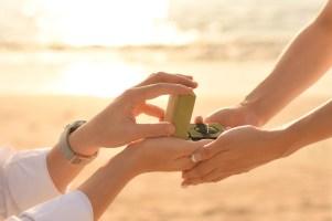 Bali_サンセットビーチでプロポーズ5