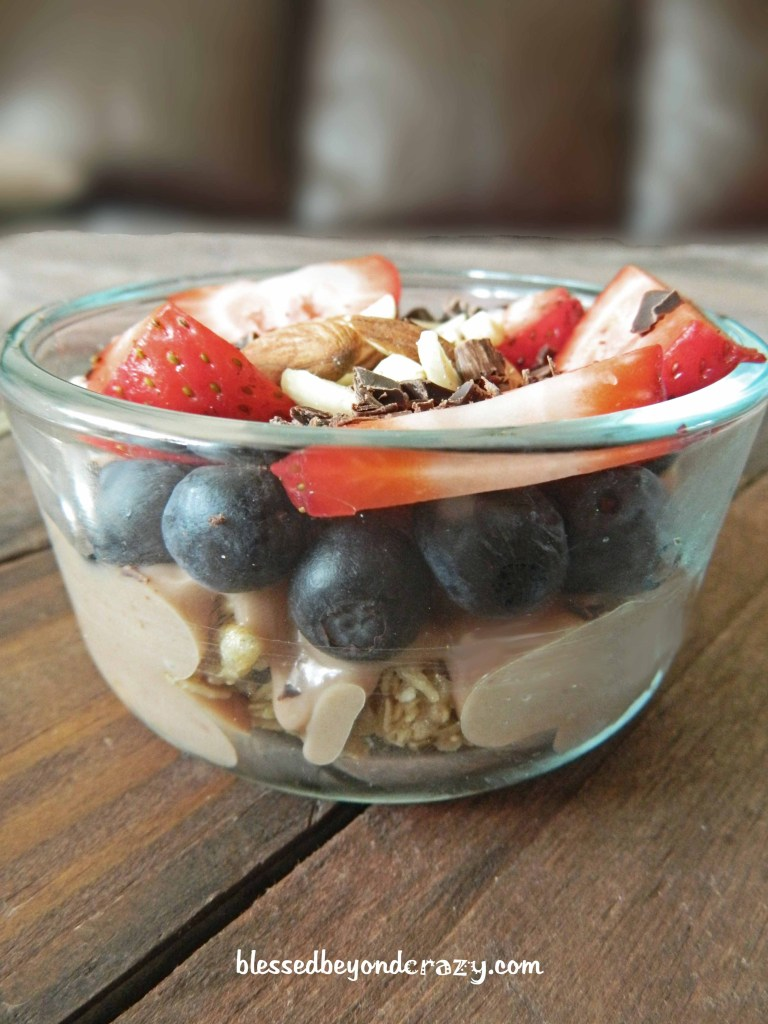chocolate yogurt parfait