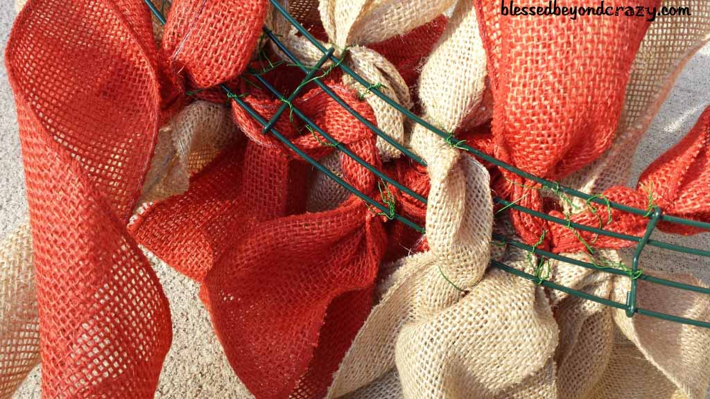 how to make burlap wreath with two colors