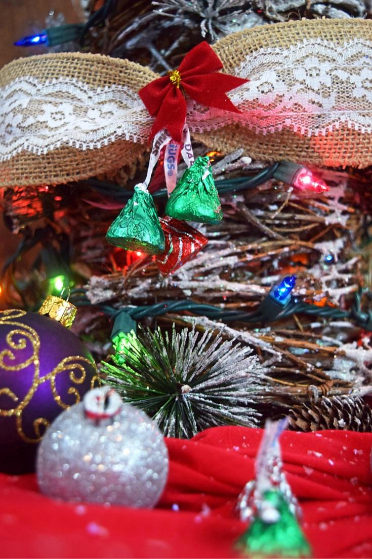 Christmas KISSES Burlap Garland -