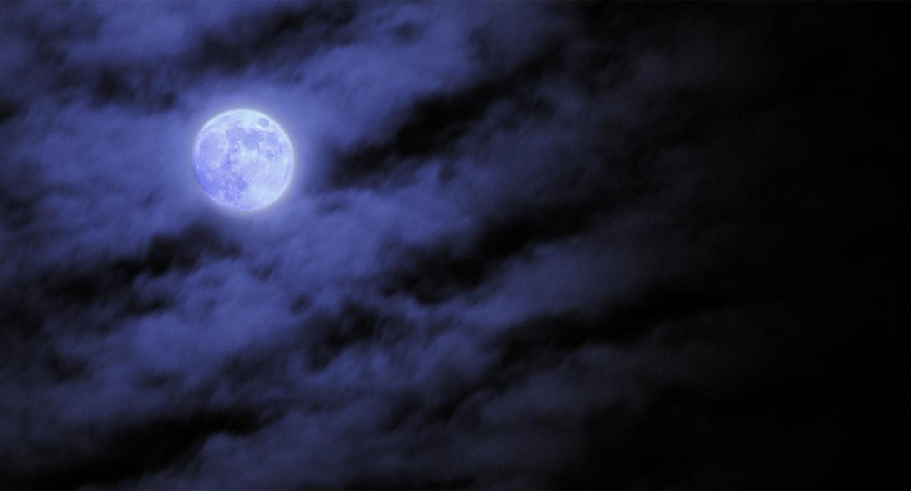 6 Mystical Halloween Lighting Ideas