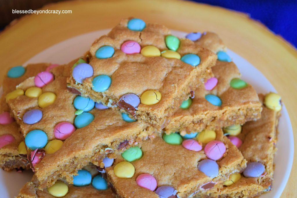 Peanut Butter M&M Bars