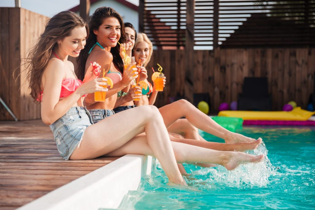Simple DIY Summer Pool Party Tips