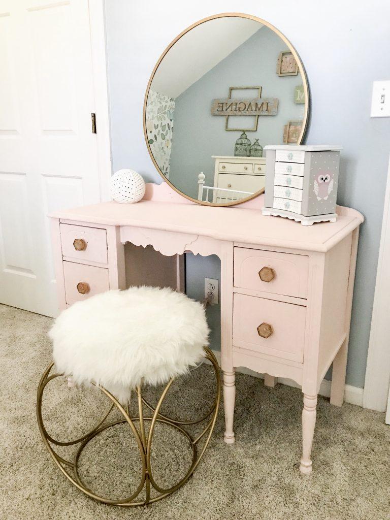 little girl room decor pink makeup table