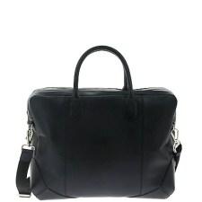 le sac besace Arthur peut être porté accompagné d'une tenue aussi bien chic que casual