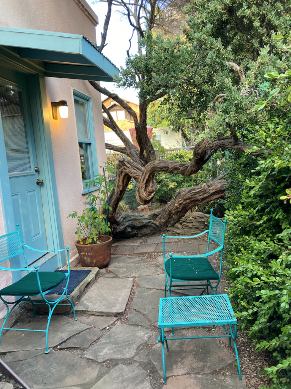 blue door and chairs at airbnb Berkeley
