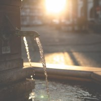 Klares Licher Wasser im Sonnenuntergang | Lich Fountain in Sunset
