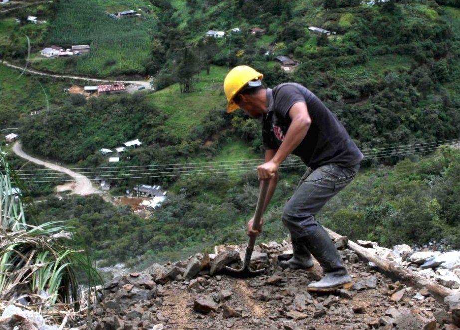 Die GIA-Fördergelder unterstützen den Export und das Testen von Golderzproben aus der Region Puno, die sich in 4.500 Meter Höhe in den Anden befindet.