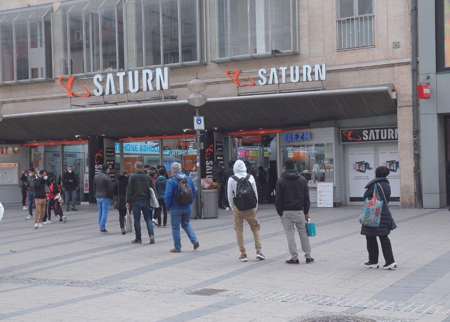 Schmuckfachhandelsmarke_Loyal_ist_Nicht_egal_Saturn