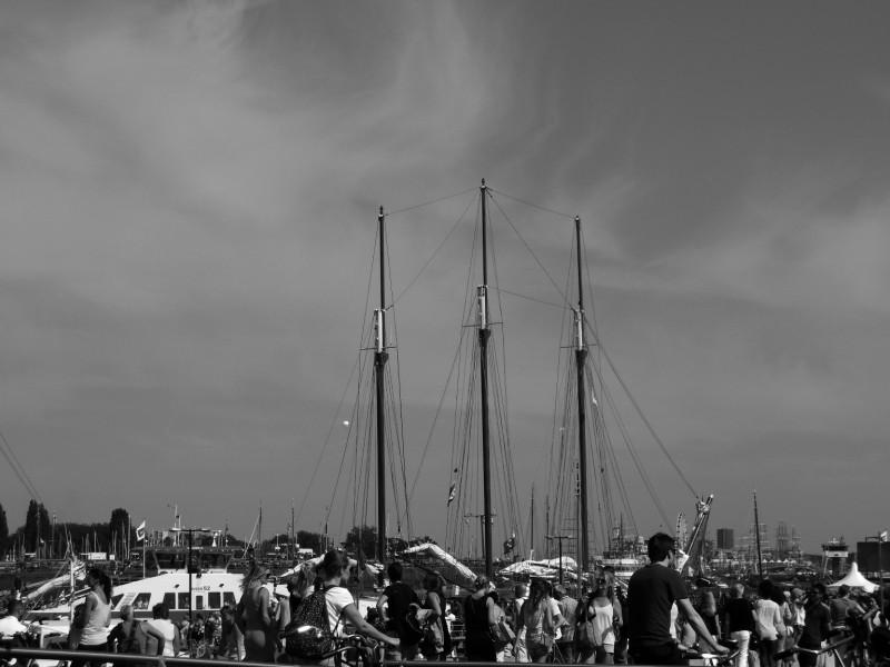 Sail op het IJ, vanaf de westkant van het CS