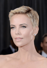 charlize theron short hair oscars 2013 2