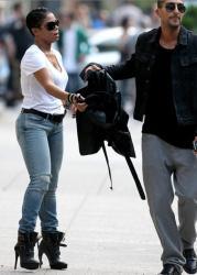 janet-jackson skinny boyfriend jeans