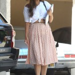 """Leona Lewis gets """"knotty"""" with her white tee shirt paired with a soft flowing skirt."""