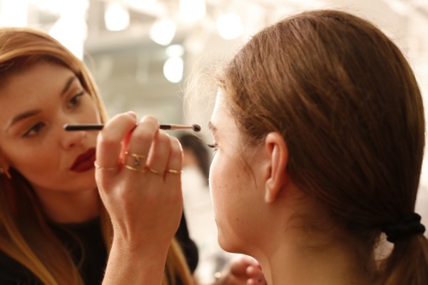 Global Celebrity Makeup Artist Lauren Andersen crafted the modern and minimalistic beauty look at the Elizabeth & James Spring 2014 Presentation