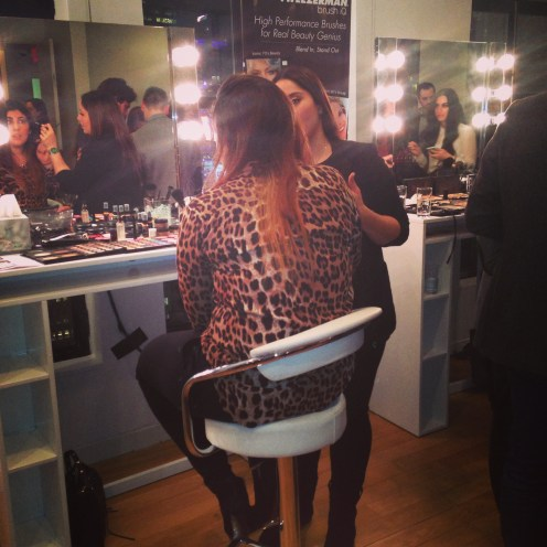 Tweezerman brush iq event makeup touch up