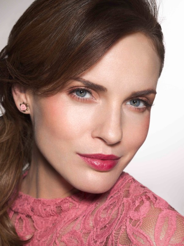 Rose lace top - Lovely Rose stud earrings - H&M
