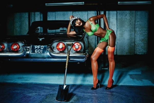 Naomi-Campbell-in-Payge-for-Agent-Provocateur-lg
