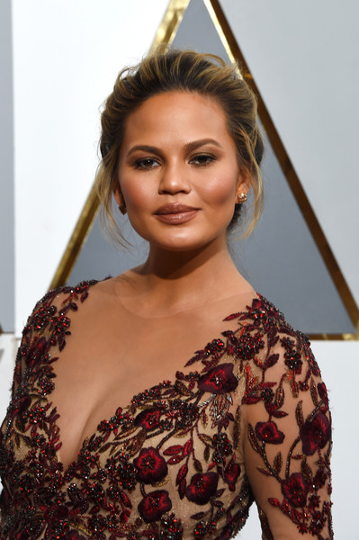 Chrissy+Teigen+88th+Annual+Academy+Awards+tiWPPdh0EZrl