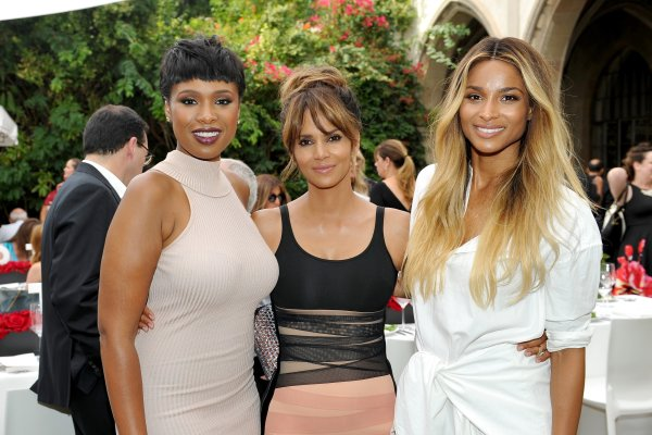 LOS ANGELES, CA - SEPTEMBER 27: (L-R) Singer Jennifer Hudson, actress Halle Berry, and singer Ciara attend Revlon's Annual Philanthropic Luncheon at Chateau Marmont on September 27, 2016 in Los Angeles, California. (Photo by Donato Sardella/Getty Images for Revlon)
