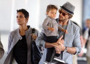 Halle, Nahla and Gabriel at LAX photo courtesy of celebritgossipnet.com