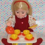 Crumpet by Kenner, serving tea