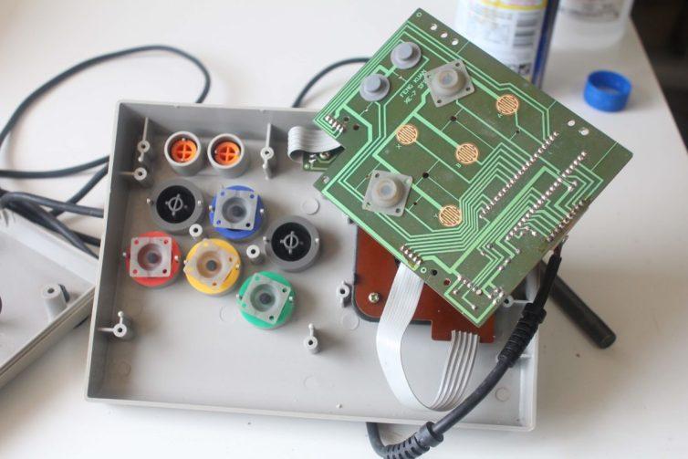 Honest XE-7 action buttons condutive pads