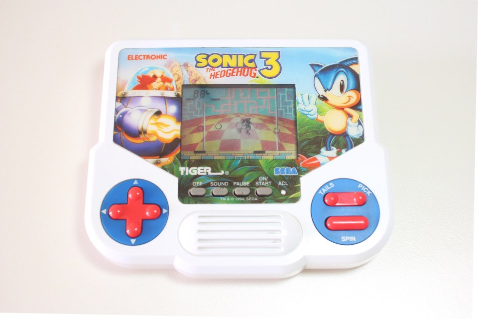 Sonic the Hedgehog 3 Tiger LCD Game