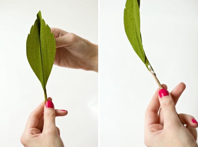 DIY GiantCrepePaperRoses 12 DIY ดอกกุหลาบขนาดยักษ์จากกระดาษย่น