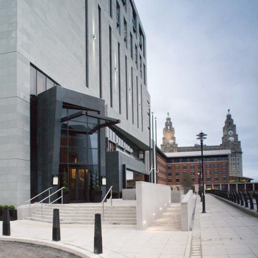 Mal_Liverpool_Exterior_01