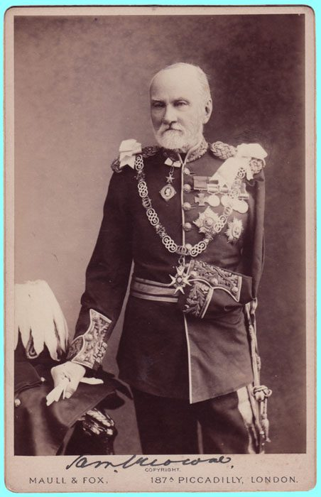 General James Samuel Browne - Desenvolvedor de uma das peças mais tradicionais do fardamento militar e policial.