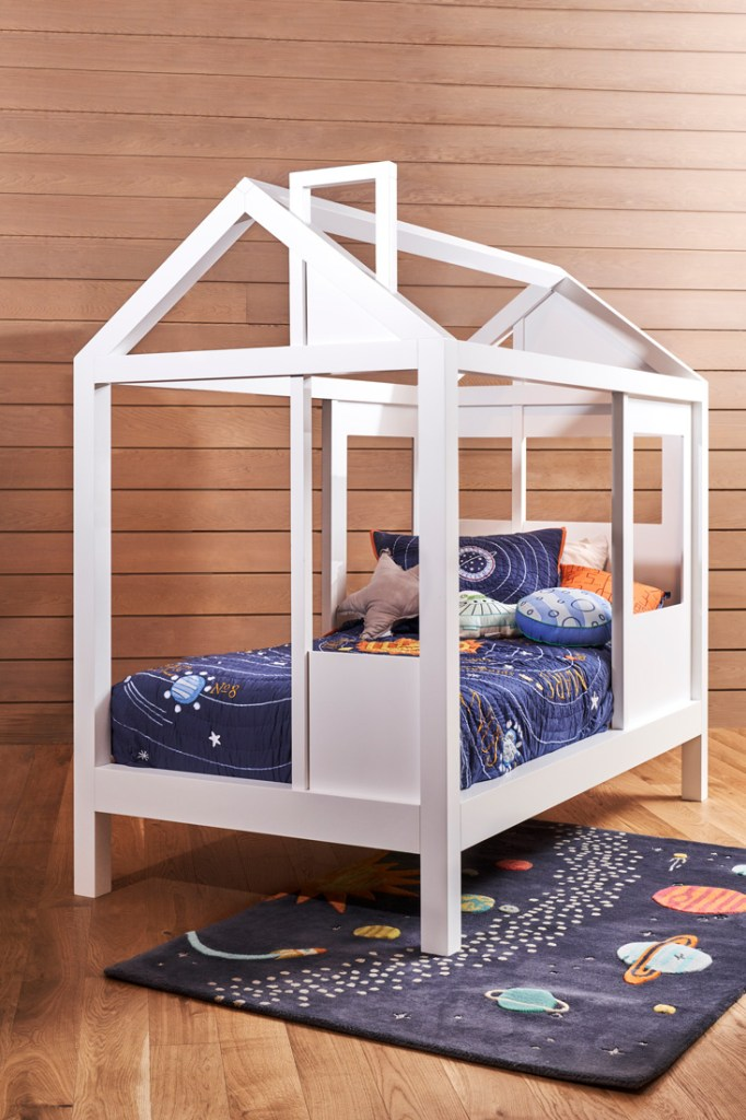 Crate & Kids treehouse style bed